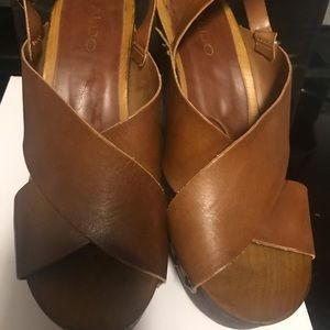 Aldo Brown Leather Wood Sole Wedges Size 9